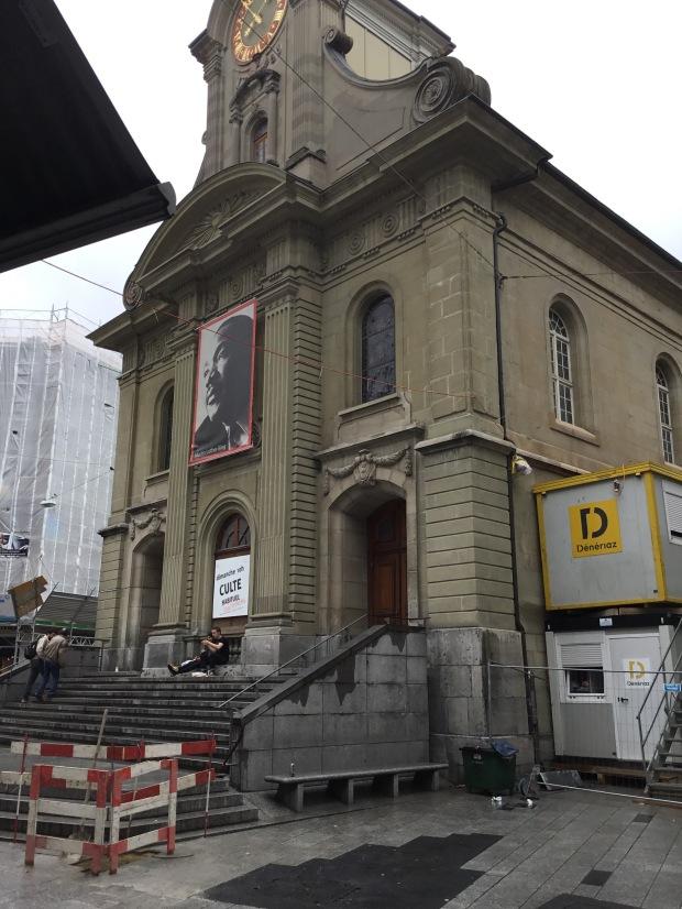 Un église et un chantier: une parabole?